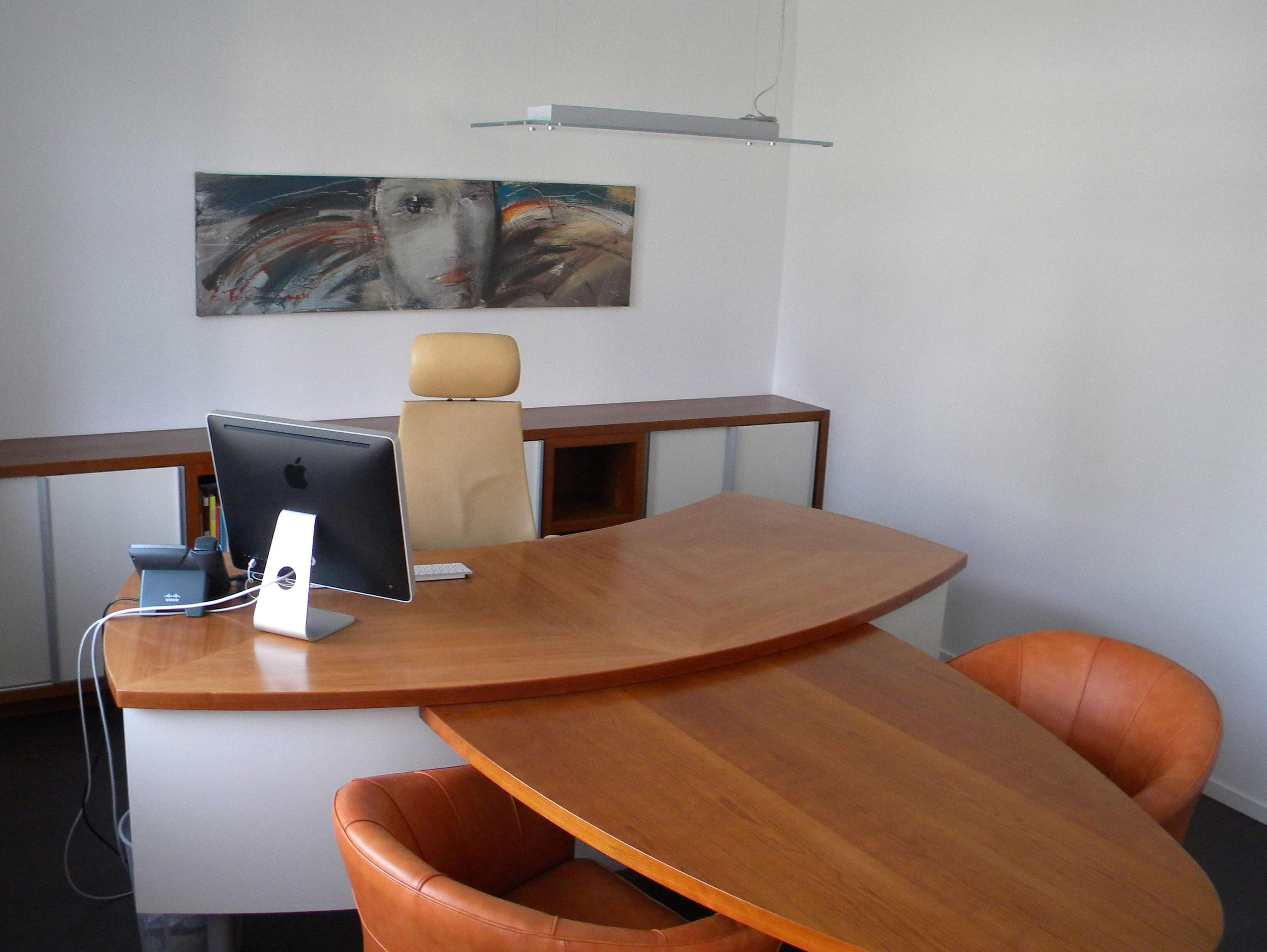 furnirano pohištvo pisarna po naročilu