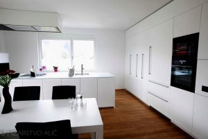 Pohištvo za kuhinjo in jedilnico po meri