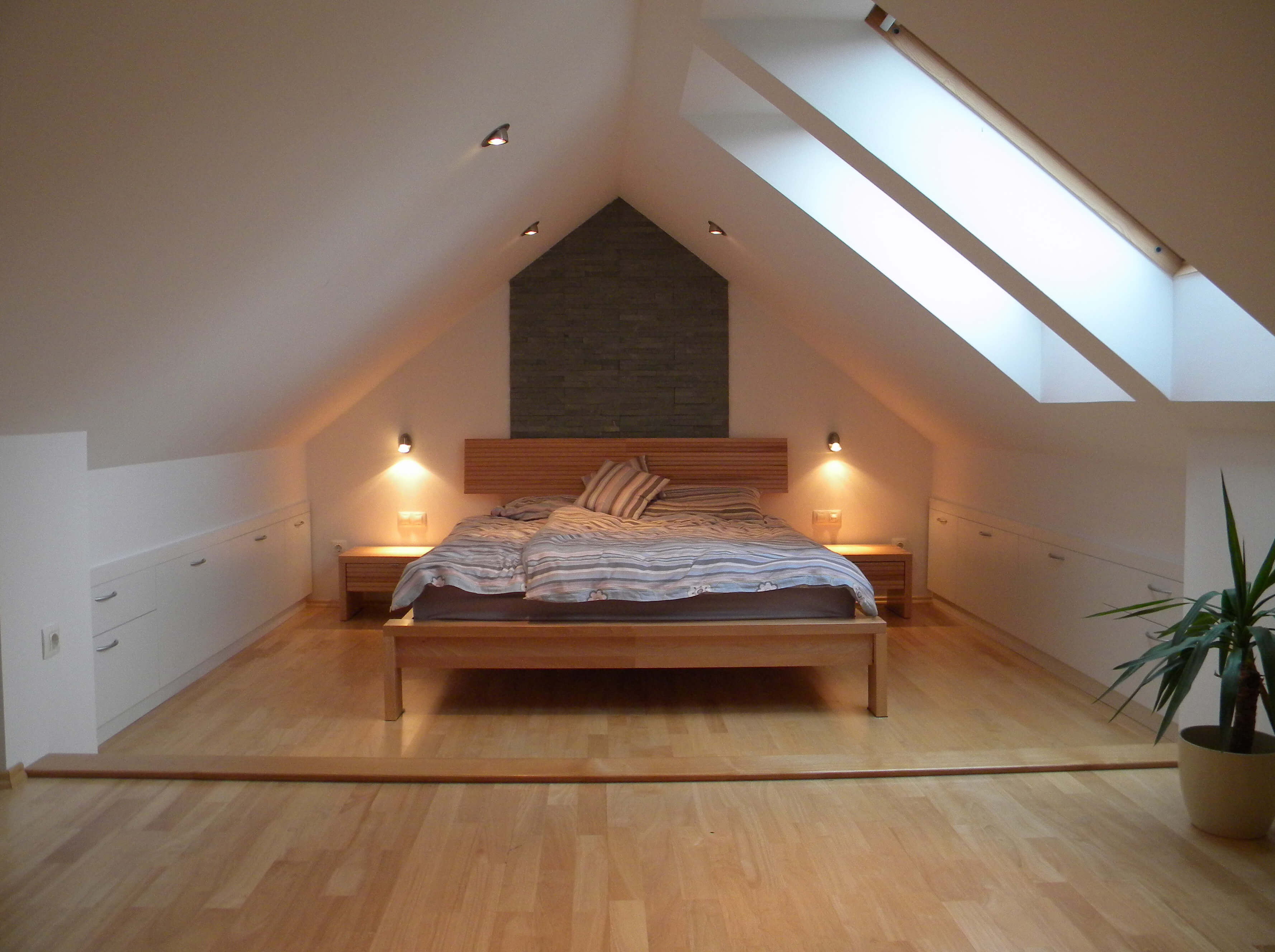 pohištvo po meri za spalnico mansarda