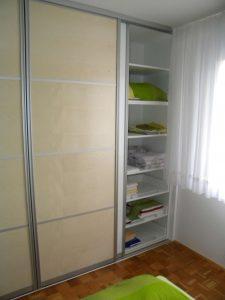 vgradna garderobna omara drsna vrata po meri