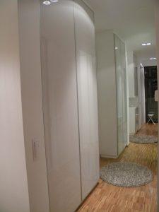 vgradna omara steklena vrata predsoba in hodnik po meri