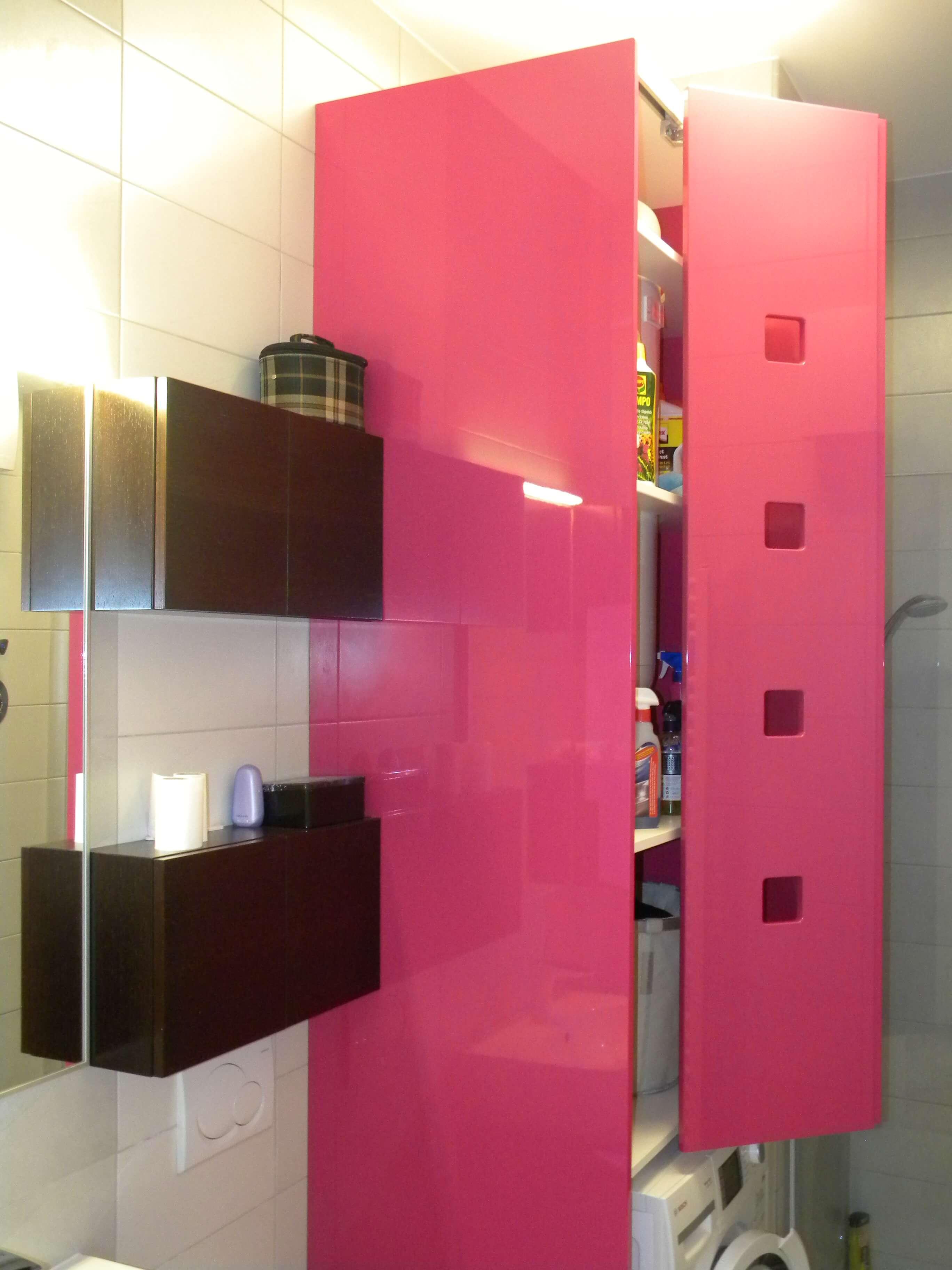 barvano kopalniško pohištvo po meri