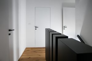 in-line vrata bela pohištvo po meri mizarstvo alič