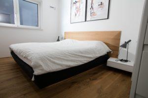 lebdeča zakonska postelja hrast in oblazinjenje