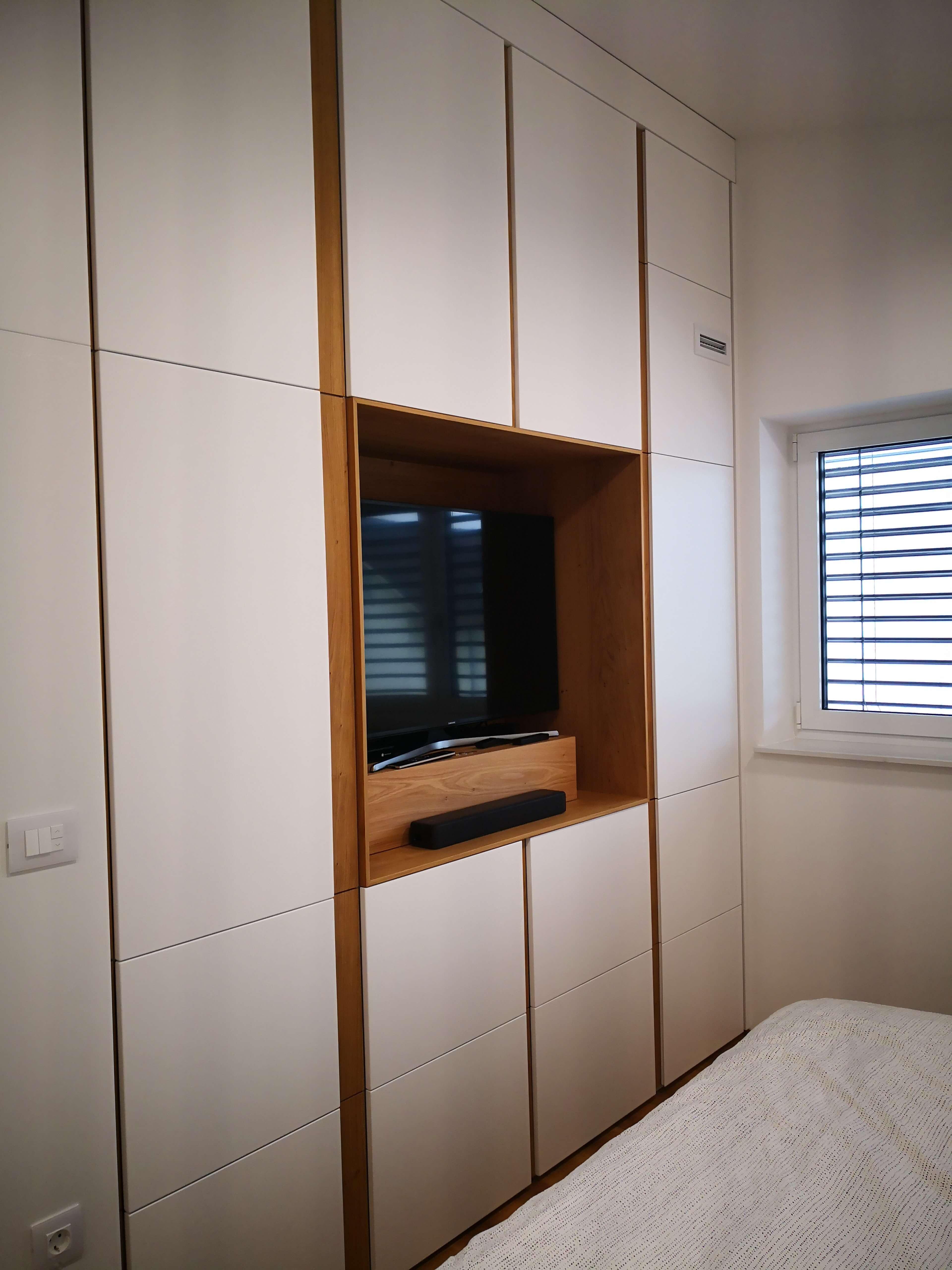 visoke omare v spalnici