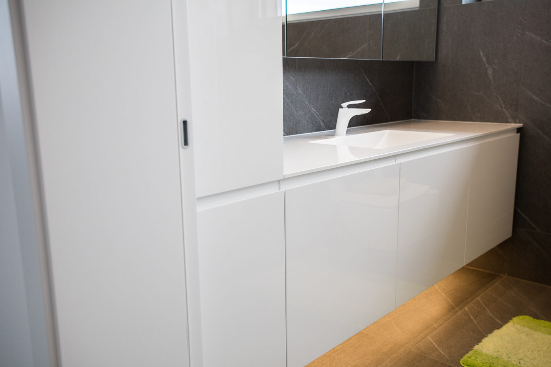 kopalniško pohištvo visok sijaj pult kerrock