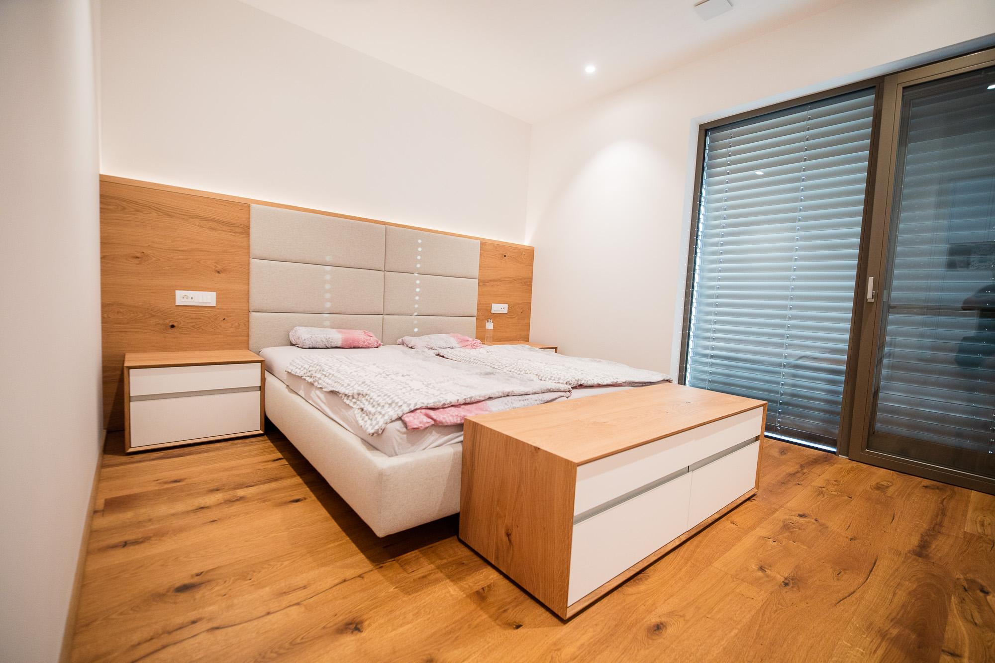 spalnica po meri postelja